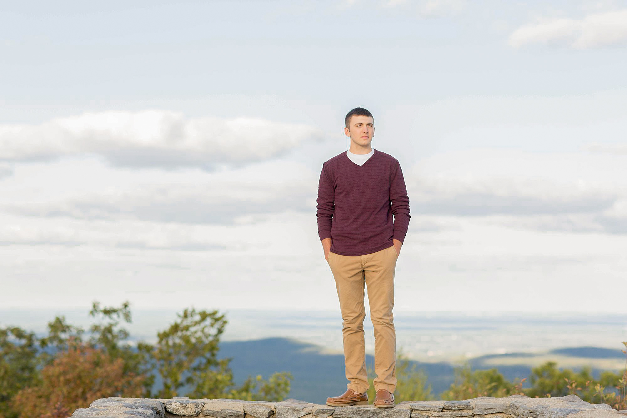 OAKMONT HIGH SCHOOL SENIOR PICTURES AT Wachusett Mountain IN PRINCETON